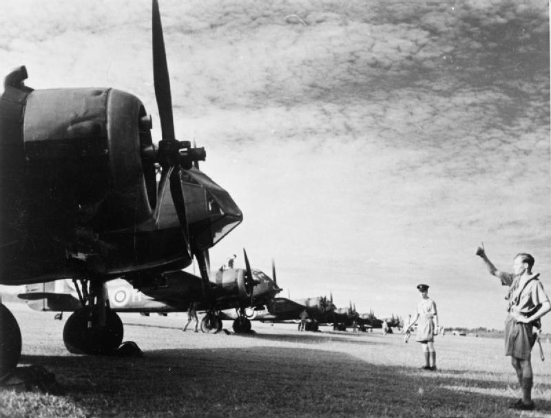 Bristol_Blenheims_62_Squadron_Singapore_Feb_1941.jpg