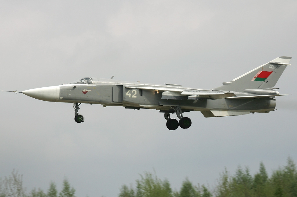 Belarus_Air_Force_Sukhoi_Su-24M_Pichugin-1.jpg