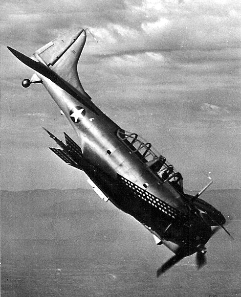Douglas_SBD_Dauntless_in_a_bombing_dive_c1942.jpg