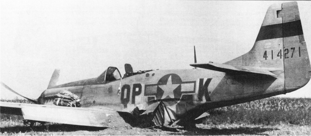 US 1944-14271 P-51D 1944-09 WilliamHessColl.jpg