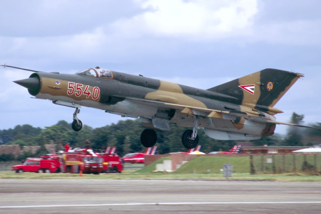 Mikoyan-Gurevich_MiG-21bis,_Hungary_-_Air_Force_AN0740836.jpg