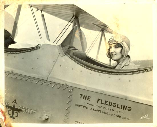 Ruth Nichols in a Curtiss Fledgling.jpg