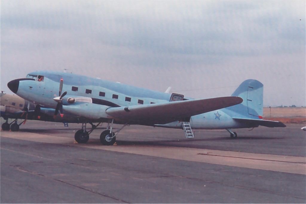 US 1942-092760 C-47A to UK KG484 Douglas DakotaMkIII to SAAF 6885 1.jpg