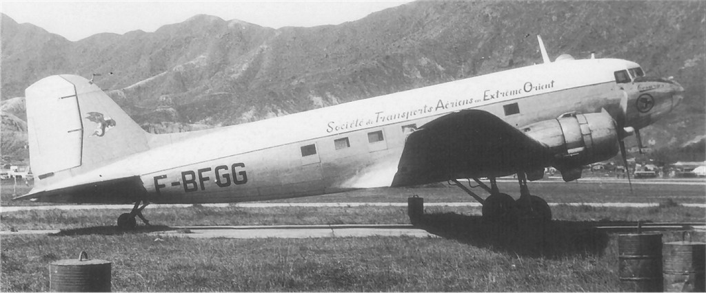 US 1942-100924 C-47A 1953-12 to F-BFGG HongKong PeterKeatingPhoto.jpg
