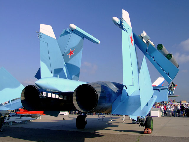 Rear starboard view of Su-33 at MAKS Airshow 2007. Under the shortened tail  'stinger' is the arrest